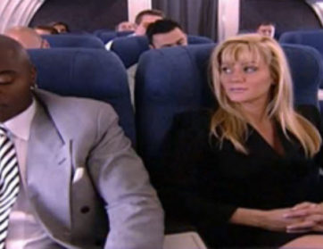 Jebačina u avionu, stjuardese