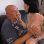 Očuh i kćerka nimfomanka, njemački video
